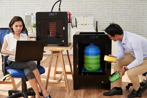 une imprimante 3D au collège.